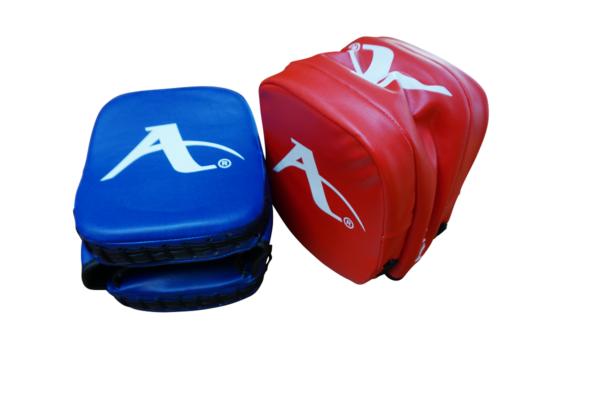 Karate-focushandschoen rechthoek (precisie-mitt) Arawaza